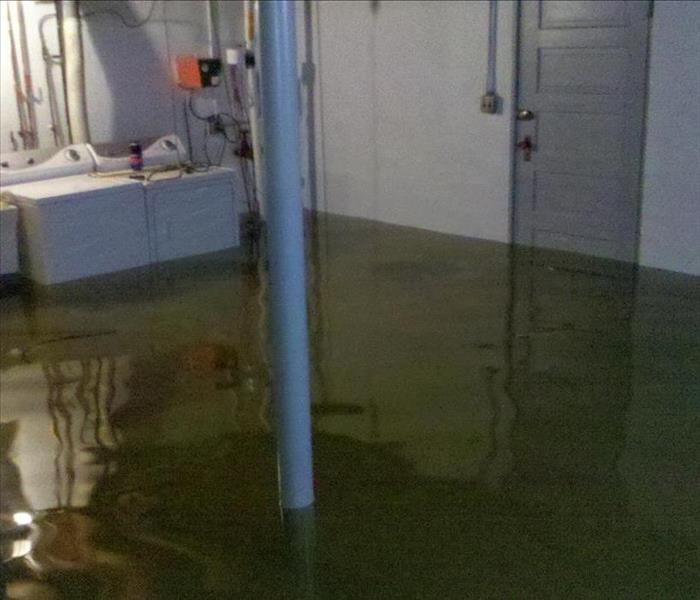 Water Damage Mount Prospect/North Des Plaines Residents: We Specialize in Flooded Basement Cleanup and Restoration!
